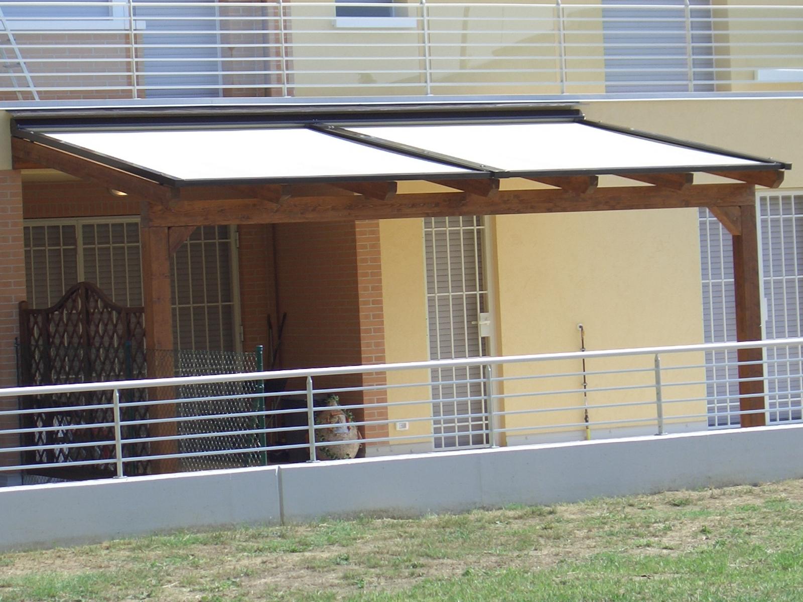 Pergolati Con Tende : Pergolato in legno addossato con tenda linea legno imola