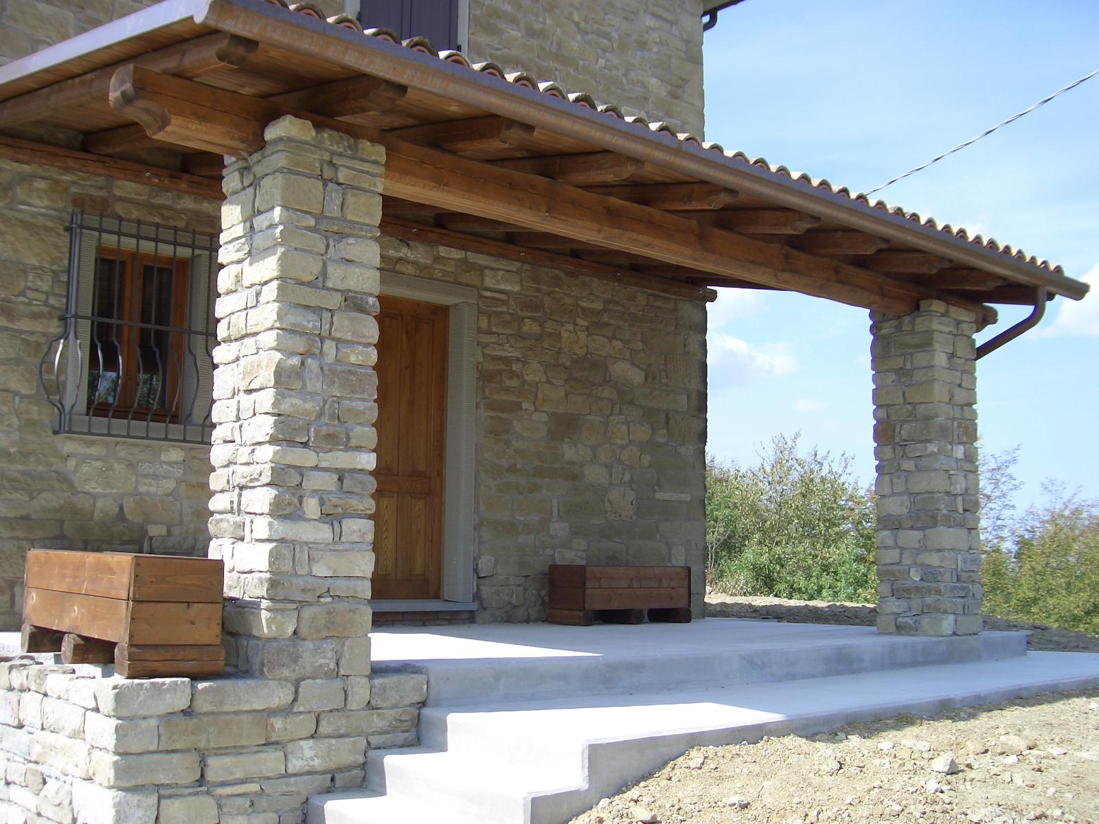 Porticato con pergolato in legno by linea legno imola for Foto di portici per case