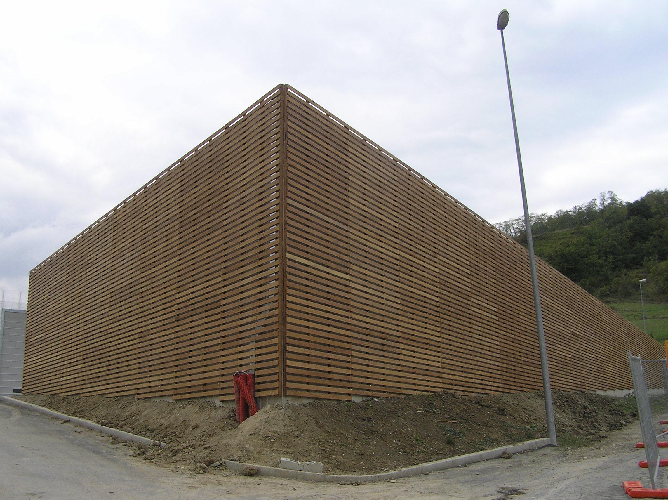 Rivestimento esterno in legno iroko